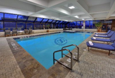 Our Newly Refreshed Pool & Whirlpool 10 of 11