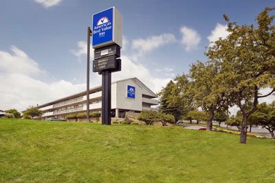 Americas Best Value Inn Pittsburgh Airport 1 of 11