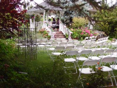 The Secluded Gardens Are Perfect For An Intimate Wedding!! 27 of 31