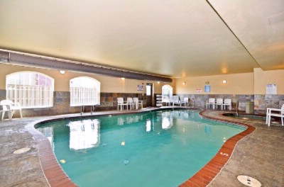 Indoor Pool And Hot Tub 7 of 8
