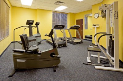 Fitness Room 4 of 7