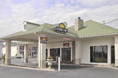 Welcome To Award Winning Days Inn Lenoir City 2 of 7