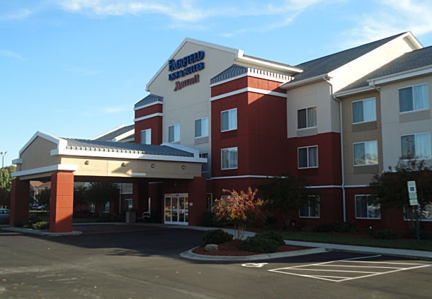 Fairfield Inn & Suites High Point Archdale 1 of 14