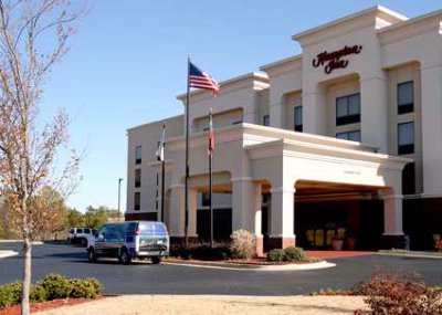 Hampton Inn Atlanta Fairburn 1 of 6