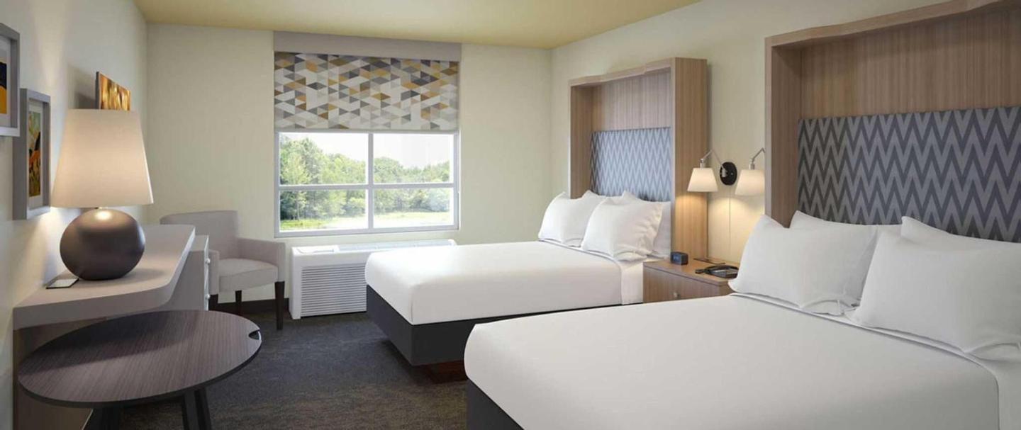 Holiday Inn Gulfport King Guest Room 17 of 23