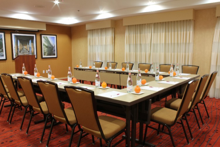 Manhattan Beach Meeting Room 24 of 25