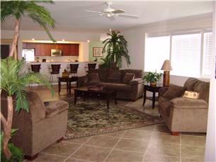 3 Bed 3 Bath Living Area (Each Unit Is Decorated Different/individually Owned) 7 of 12