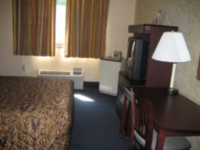 Image of Budget Host Town Center Inn