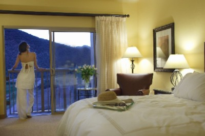 575 Total Spacious Guest Rooms 9 of 9