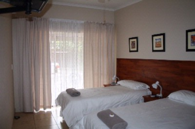 Twin Room 5 of 12