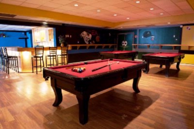 Bar With Pool Tables 5 of 5