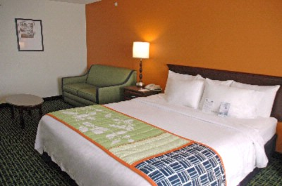 Fairfield Inn by Marriott Kansas City Union Hill 1 of 8