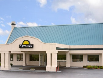 Days Inn Emporia 1 of 7