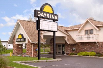 Days Inn 1 of 8