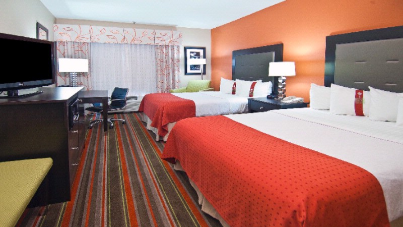 Enjoy The Luxury Of Our Executive Double Queen Room 17 of 19