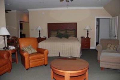 Fairway Suite 2 16 of 21