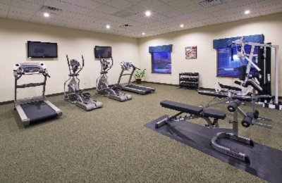 Fitness Center 9 of 18