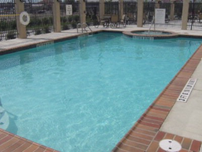 Outdoor Pool And Whirlpool 5 of 7