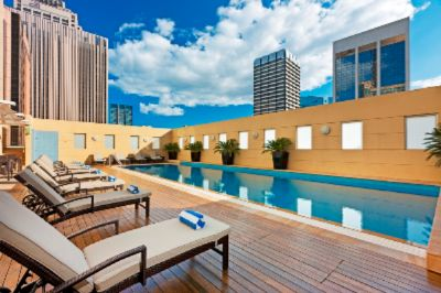 Swissotel Sydney\'s Outdoor Heated Pool 3 of 12