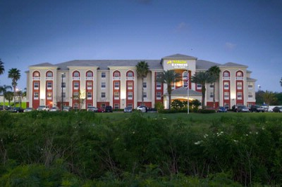 Holiday Inn Express 174 Hotel Amp Suites Orlando Airport
