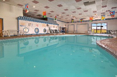 Large Heated Indoor Pool 5 of 11