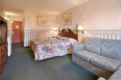Large King Size Suites Available 6 of 11