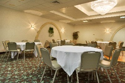 We Offer A Variety Of Banquet Settings 10 of 11