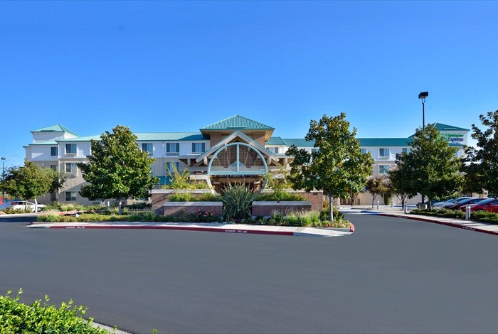 Holiday Inn Express & Suites Elk Grove Ctrl Sacramento S 1 of 20