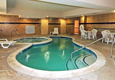 Indoor Swimming Pool 3 of 12