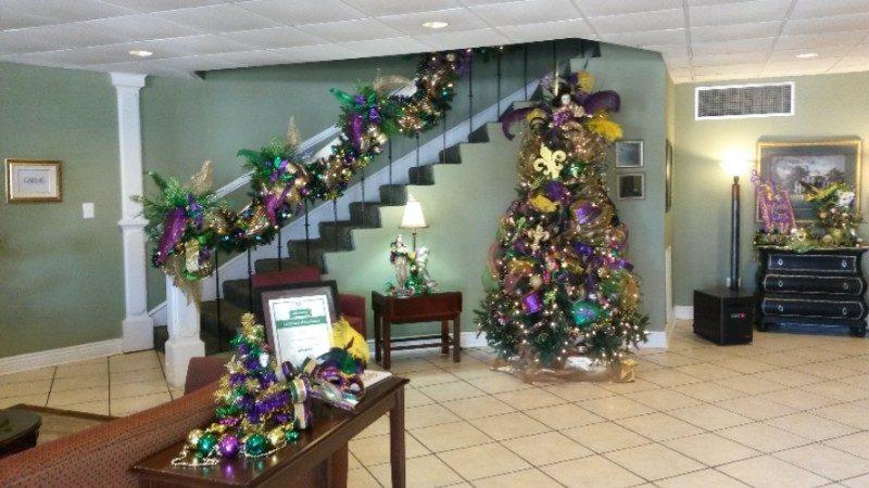 Lobby Dressed Up For Mardi Gras! 14 of 15