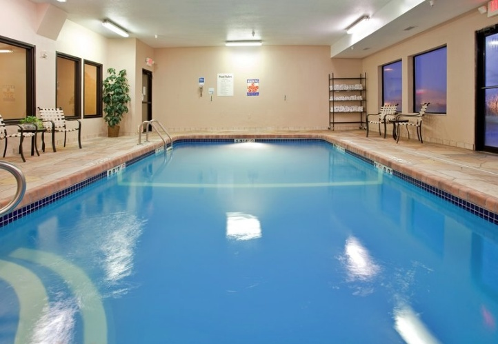 Large Indoor Heated Pool 10 of 12