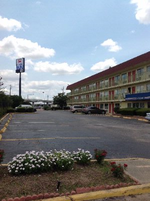 Motel Entry 2 of 8