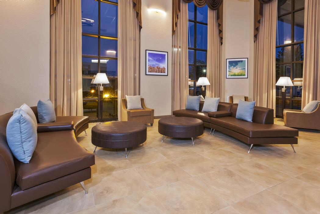 Holiday Inn Express Hotel Suites Gr Airport 5401 28th St Court Se Grand Rapids Mi 49546