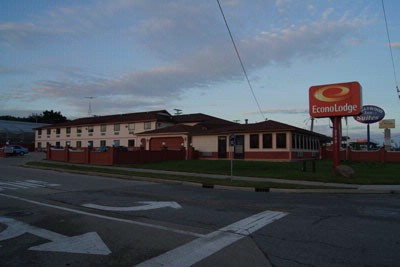 Image of Econo Lodge Chicago / Gurnee