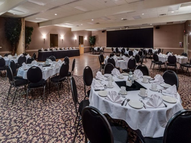 Banquet Room 18 of 21