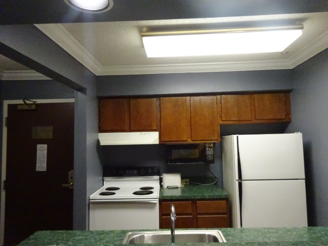 Richmond Suites Premium One Bedroom With Kitchen Stove And Oven 8 of 11