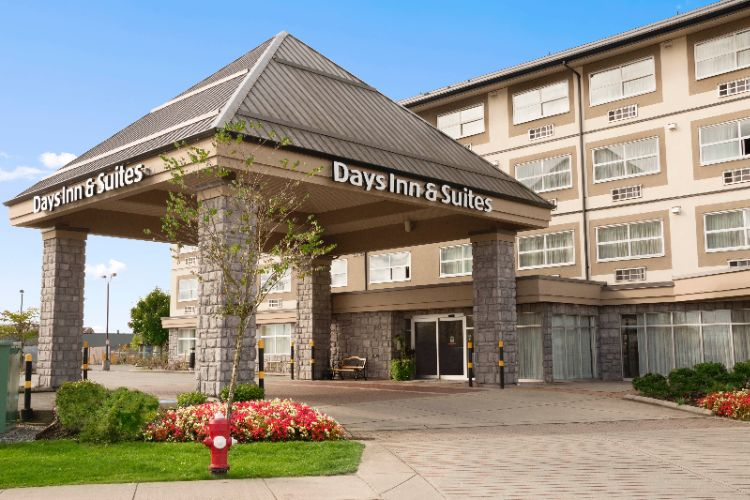Days Inn & Suites Langley 1 of 15