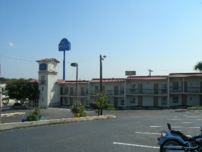 Baymont Inn & Suites San Antonio / Wurzbach 1 of 3