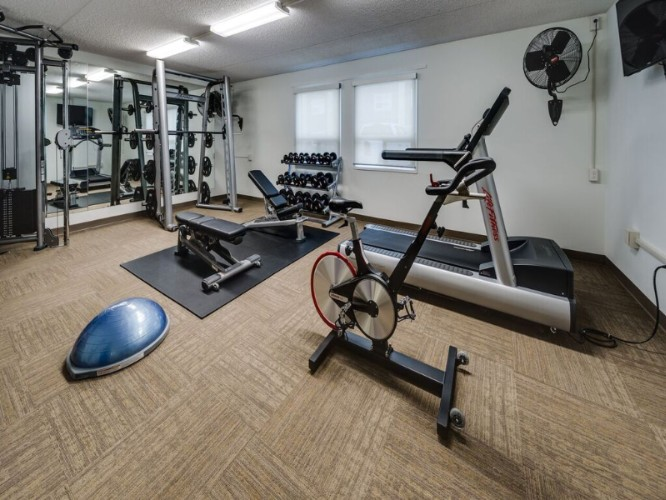 Fitness Room 12 of 22