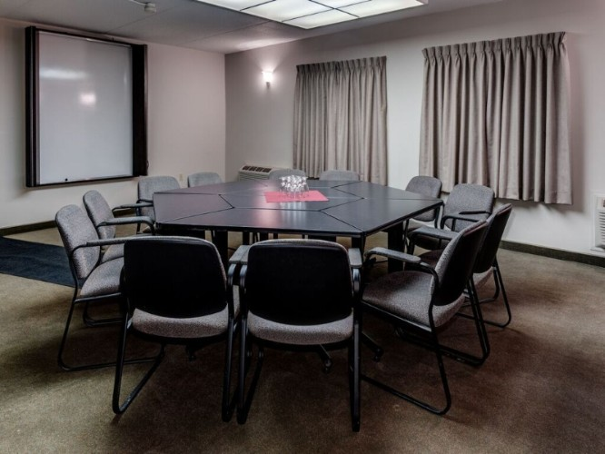 Meeting Room 17 of 21