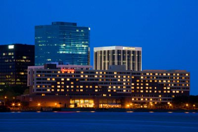 Sheraton Norfolk Waterside 1 of 12
