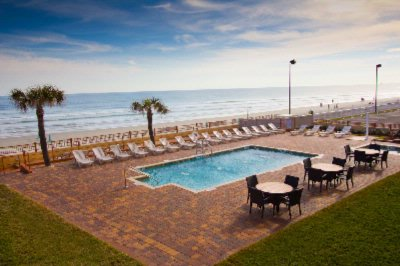 Oceanfront Pool Deck 4 of 5