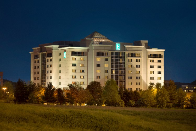 Embassy Suites Nashville South Cool Springs 1 of 16