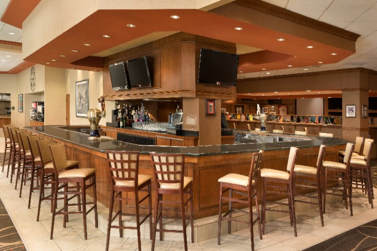 Athletic Club Bar & Grille Serving Lunch And Dinner Daily 14 of 16