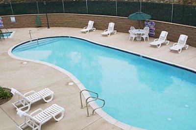 Year Round Outdoor Heated Pool & Spa 6 of 7