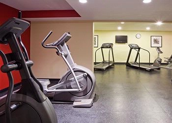 Hotel Fitness Center 6 of 11