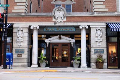 Hotel Winneshiek 1 of 3
