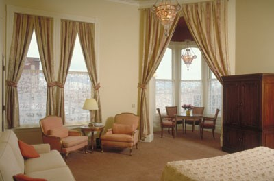 Cupola Suite 5 of 10