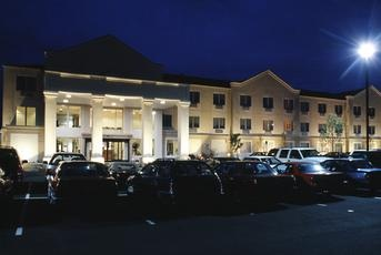 Four Points by Sheraton Portland East 1 of 13