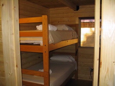 Cabin Bedroom With 2 Bunk Beds 14 of 31